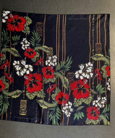 A Piece of Chic, Tiki, Seide, Silk, Tuch, Schal, Gross real wear, Blumen, Flowers, Hawaii, Black, Schwarz
