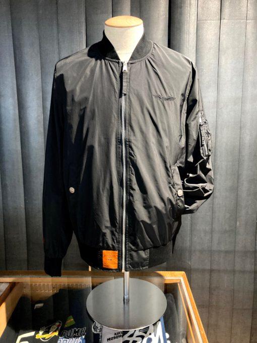 Bombers Original Bomber Jacke, Black, Nylon, Taschen, Brustlogo bestickt, Gross real wear München, Tasche am linken Arm, Innentaschen, Strickbünde, Reißverschluß