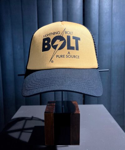 Lightning Bolt A Pure Source Trucker Cap, Gross real wear München, Black, Yellow, Bolt Logo Snapback, Mesh