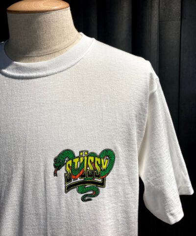 Stüssy Snakebite T-Shirt, Gross real wear München, White, Front und Backprint