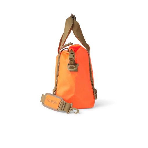 """Filson Dry Roll Top Tote Bag, Flame, wasserdicht, RF verschweißte Nähte, Rolltop Verschluss, Schnallen, 2"""" breite Gurtbandgriffe mit Neoprengriff, MOLLE Gurtband, D Ringe, Schultergurt mit Polsterung, Gross real wear München"""