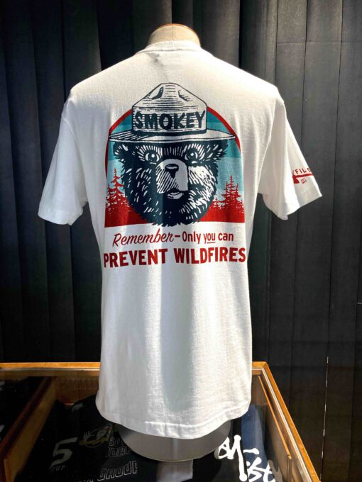 Filson X Smokey Bear Pioneer Graphic T-Shirt, White, Cotton, Gross real wear München, Front and Backprint, Prevent Wildfires
