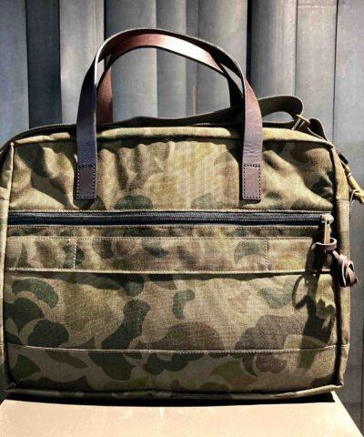 Filson Dryden Briefcase Dark Shrub Camo, Cordura Nylon, Aussentaschen, Innentaschen, Trolley Gurt, Gepäckgriffe aus Leder, Gross real wear München, Reißverschluss Tasche auf der Rückseite