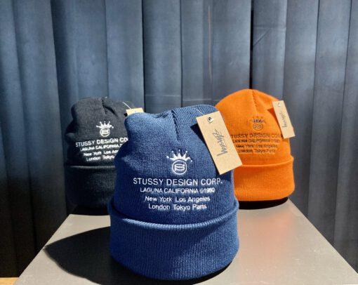 Stüssy Design Corp Cuff Beanie, Orange, Navy, Black, Strickmütze, Front Stickerei mit Stüssy Logo, Gross real wear München
